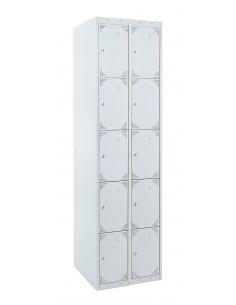 Bloque de 2 taquillas con las puertas cerradas. La medida exterior del bloque es : Alto 180 cm. Ancho 60 cm. Fondo 50 cm.